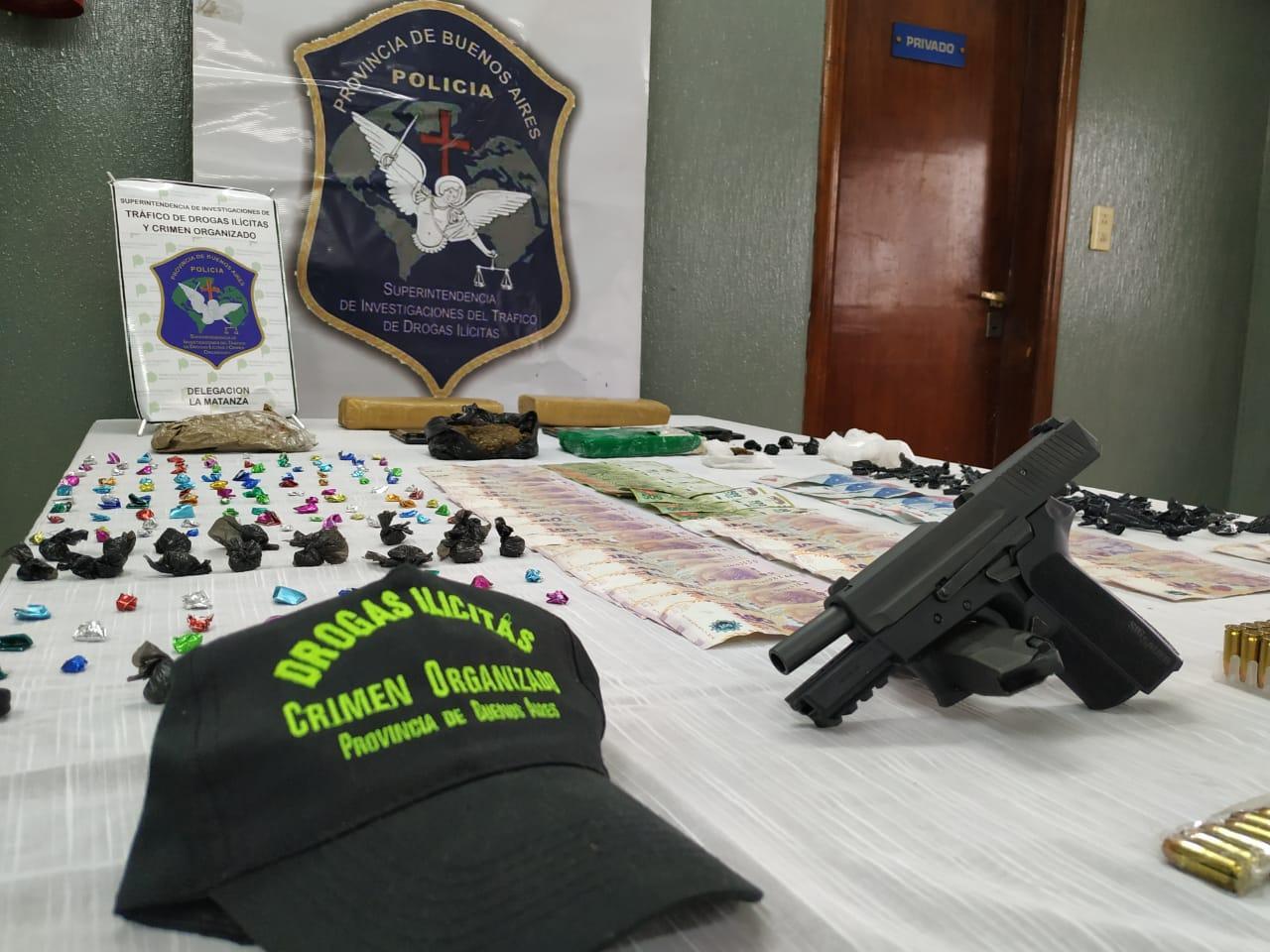 Cae banda narco liderada por jubilado que cruzaba un río en tirolesa para vender drogas en La Matanza