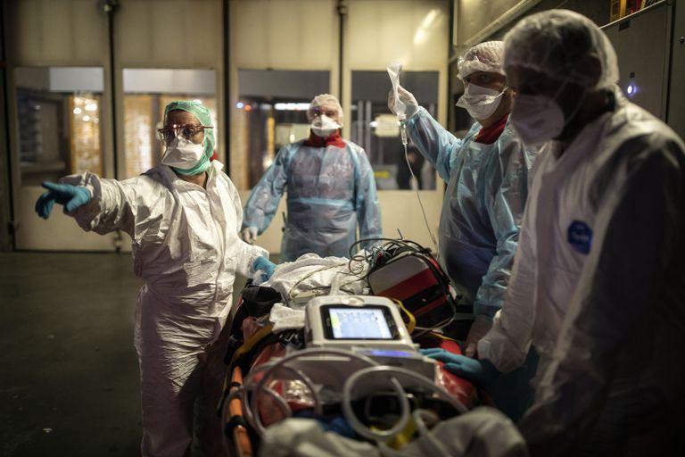 EEUU prepara la vacunación contra el coronavirus, que superó los 1,6 millones de muertos en el mundo