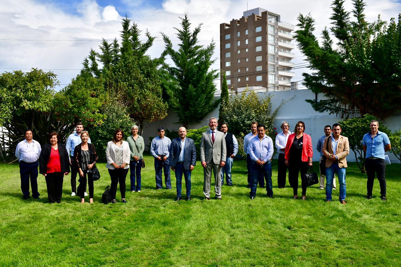 Arcioni y Sastre compartieron un almuerzo político en la Residencia con jefes comunales
