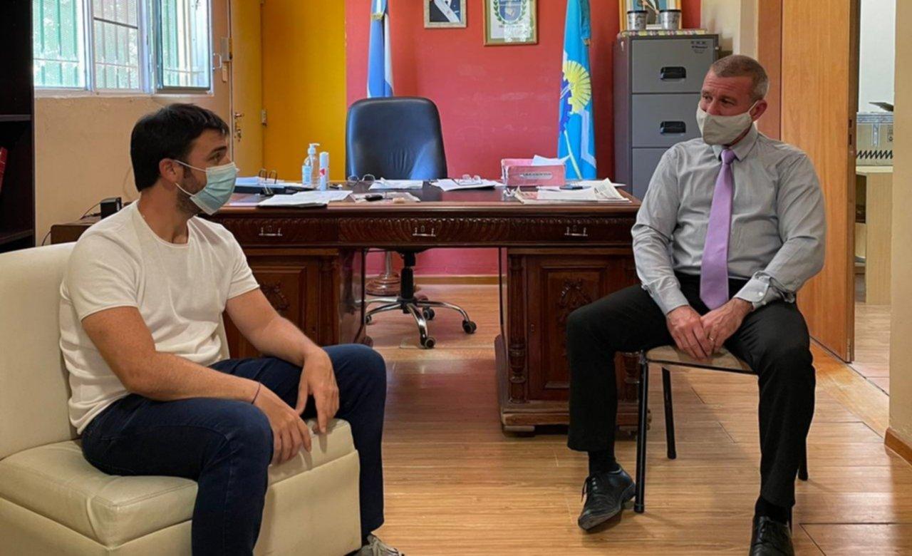 """Torres se reunió con Darío James y evaluaron un programa de """"ingresos brutos cero"""" para promover inversiones en Gaiman"""