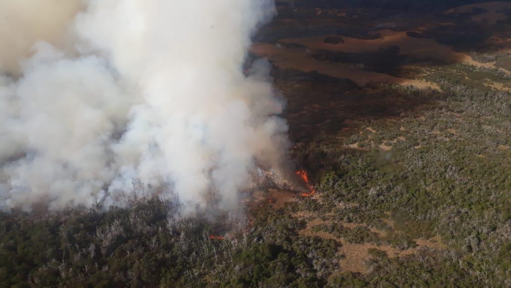 Chubut combate dos incendios en Atilio Viglione y Corcovado en zonas de complejo acceso y Provincia hará una denuncia penal porque detectó que fue intencional