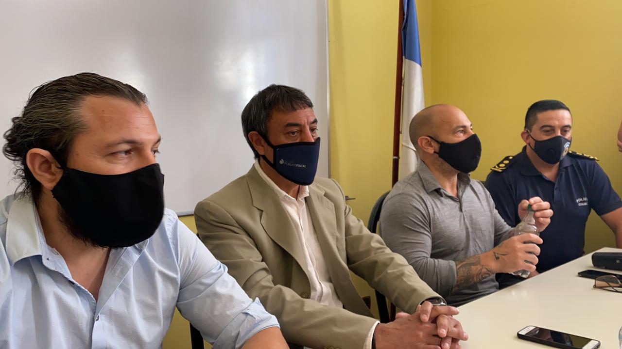 """Massoni: """"Se han activado todos los mecanismos y vamos a ir a buscar a los responsables"""" del hurto de vacunas en Comodoro"""