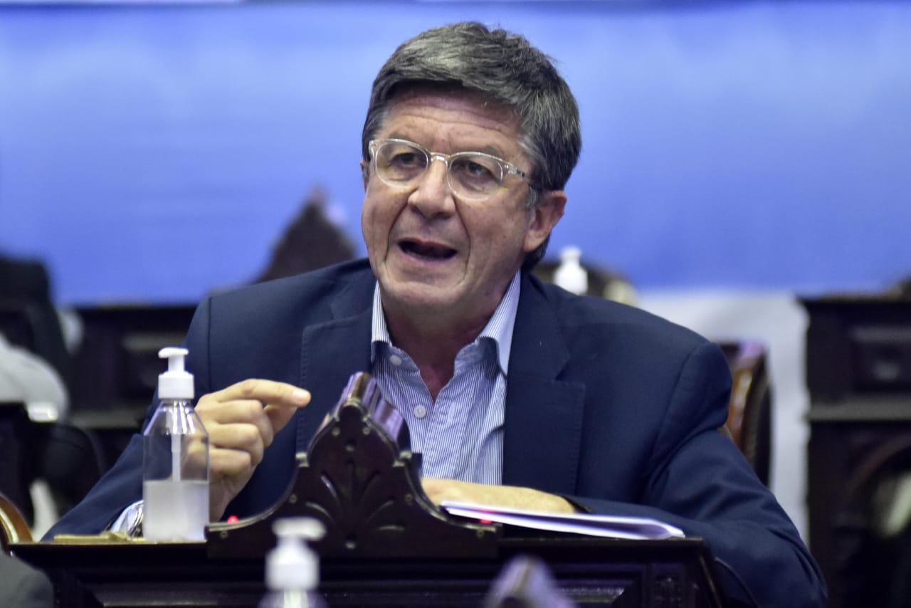 Menna advierte que el proyecto de Ganancias podría dejar sin efecto beneficios para salarios y jubilaciones patagónicas