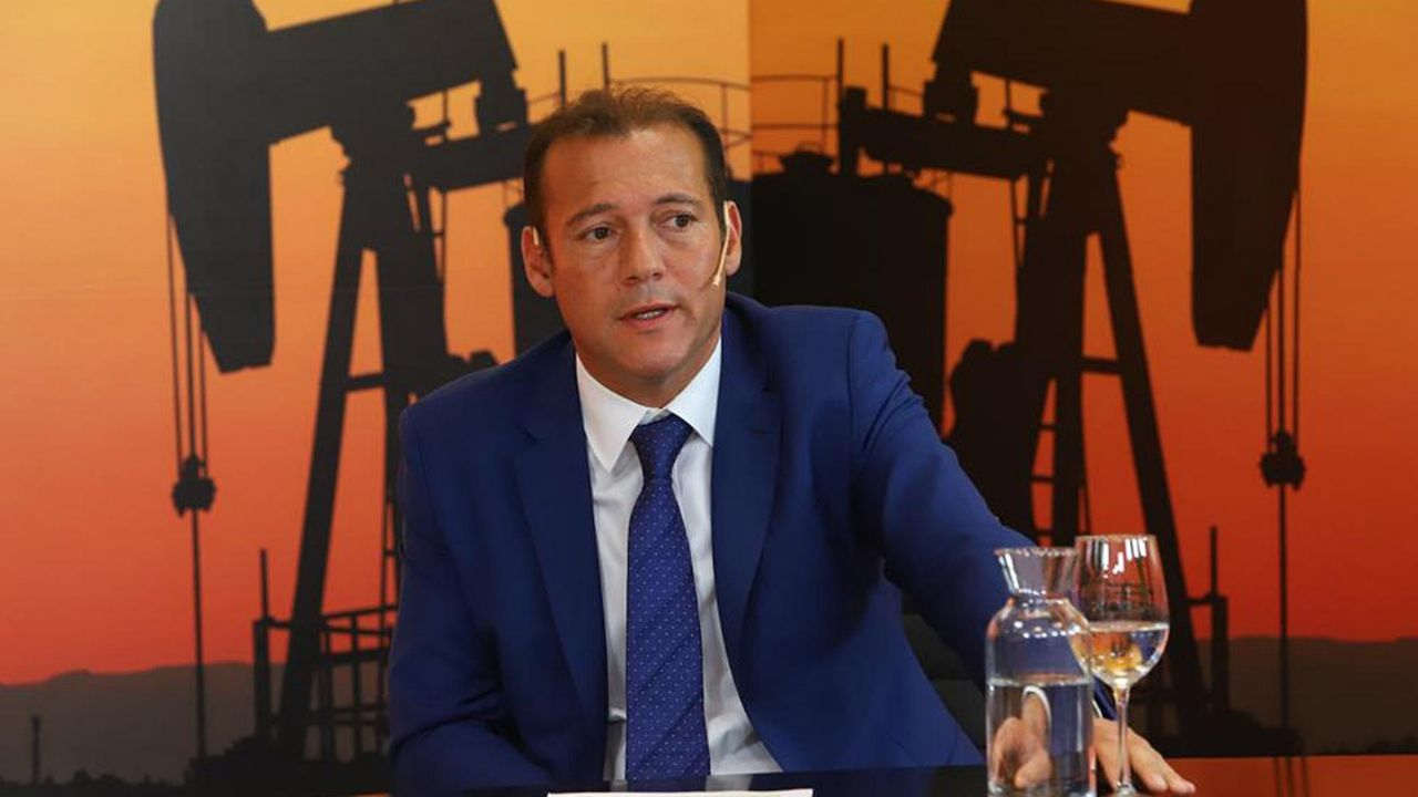 """Gutiérrez anunció obras de gas y electrificación para Añelo y dijo que """"consolidarán la capital de Vaca Muerta como una ciudad sustentable"""""""