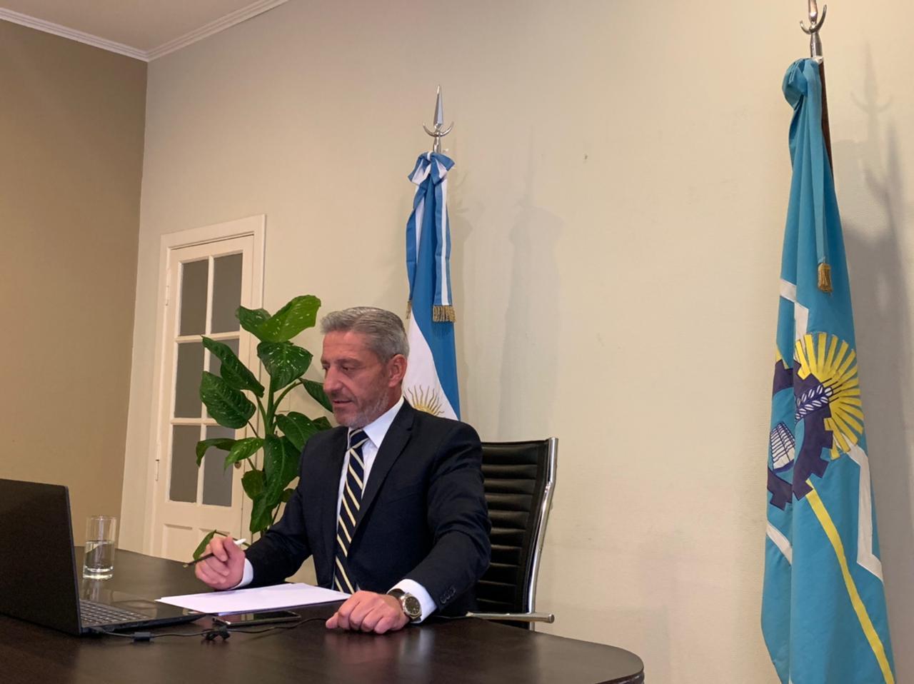 Arcioni celebró que 25.000 empleados y jubilados dejarán de pagar Impuesto a las Ganancias en Chubut