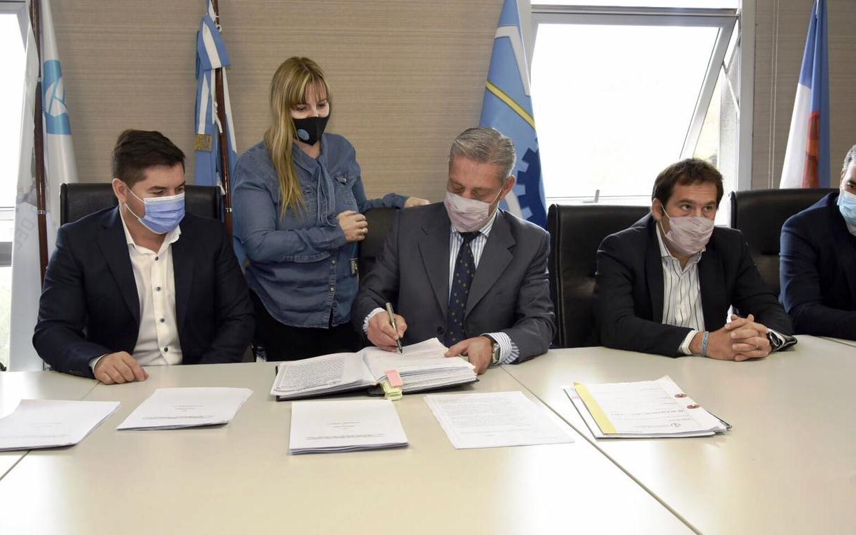 Arcioni presentó el Plan de Promoción para aumentar la producción petrolera y promover fuentes de empleo en Chubut