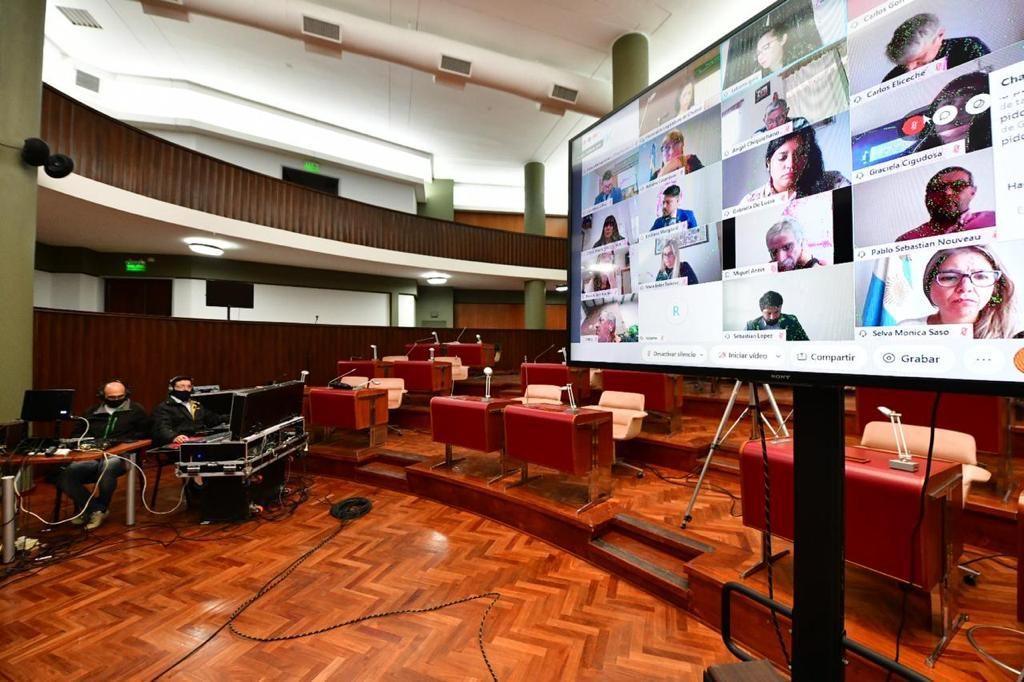 Legislatura tratará hoy la Iniciativa Popular que busca prohibir la minería en Chubut ¿Cómo están los votos?