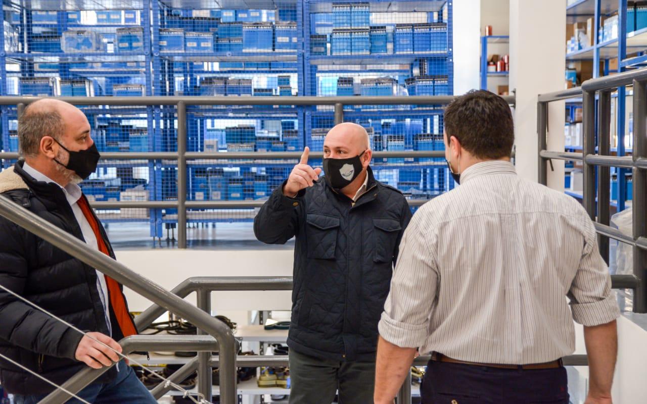 Sastre recorrió la empresa Patagonia Ingeniería y pidió seguir fortaleciendo la industria local
