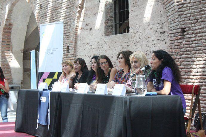 Un programa impulsa la participación de mujeres en los sindicatos