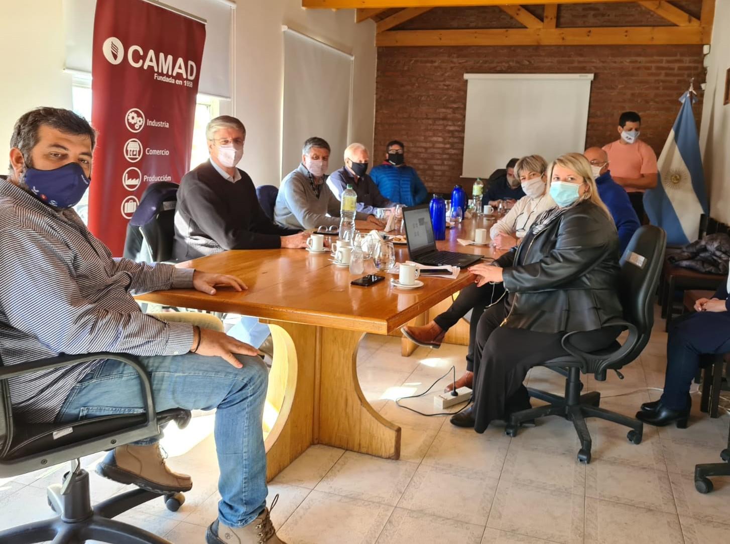 Menna habló con el comercio y el turismo de Puerto Madryn sobre proyectos para recuperar la producción y generar empleo