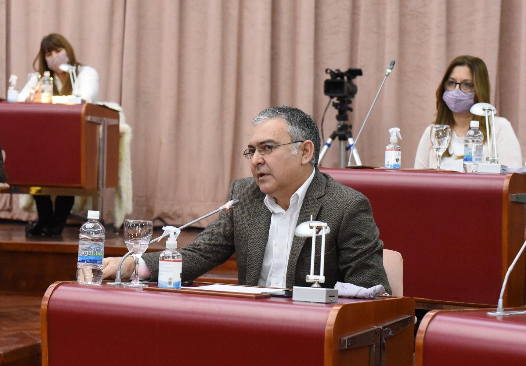 """Pagliaroni advirtió que la economía de Chubut """"está en riesgo si avanza el marco hidrocarburífero que impulsan funcionarios nacionales"""""""