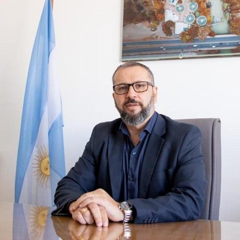 """Petrakosky sobre la política energética chubutense: """"La Provincia se debate entre su potencialidad y la desidia del poder político"""""""