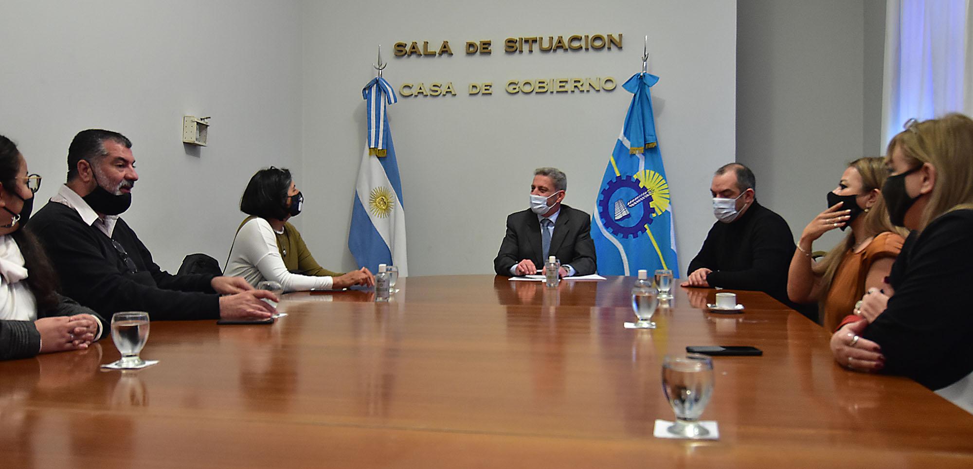 Arcioni recibió a los padres de Micaela García, impulsores de la Ley que lleva el nombre de su hija