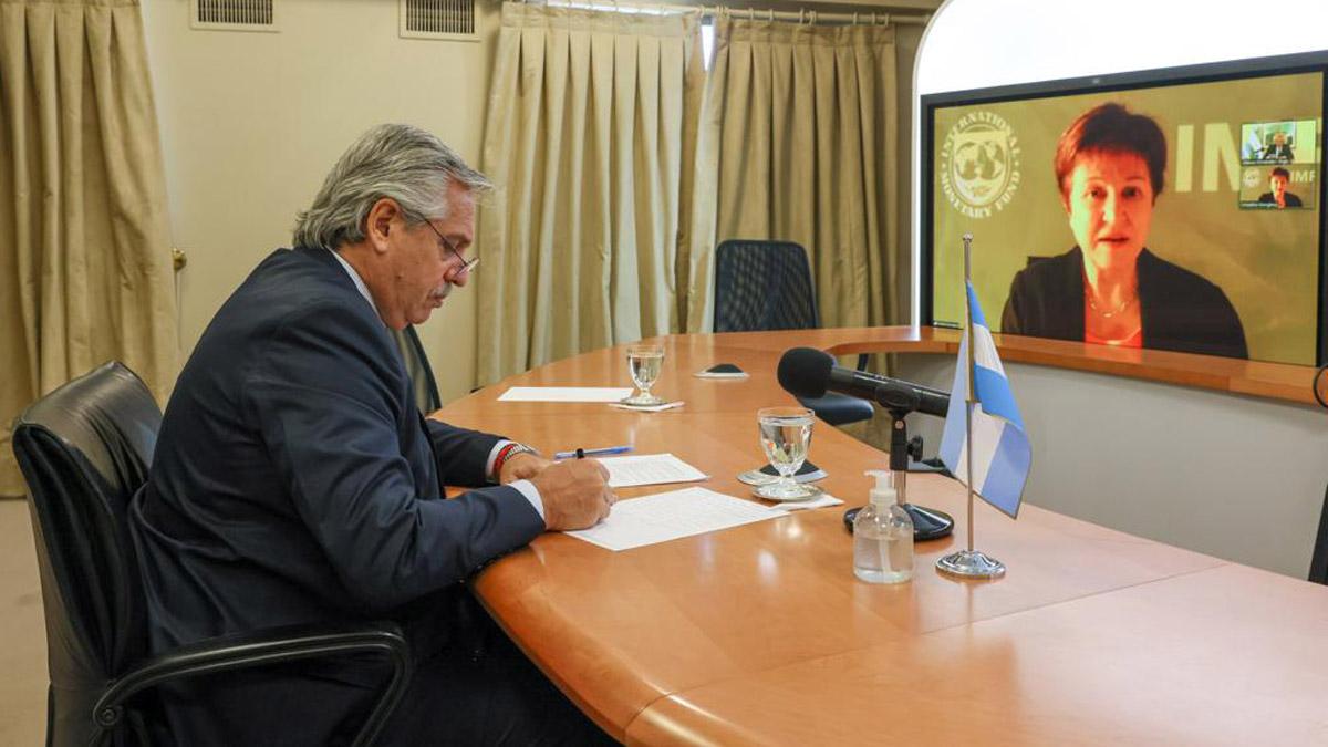 Argentina deberá efectuar hoy el primer pago de capital del préstamo del Fondo Monetario Internacional