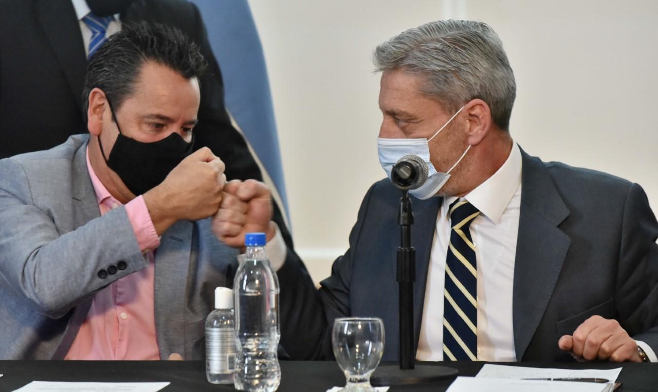 """Arcioni: """"Con esta obra estamos llegando al 100% de cobertura de conexión de gas natural en Corcovado"""""""