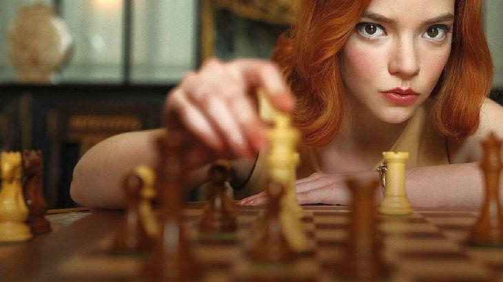 """Una leyenda soviética del ajedrez demanda a Netflix por """"Gambito de dama"""""""