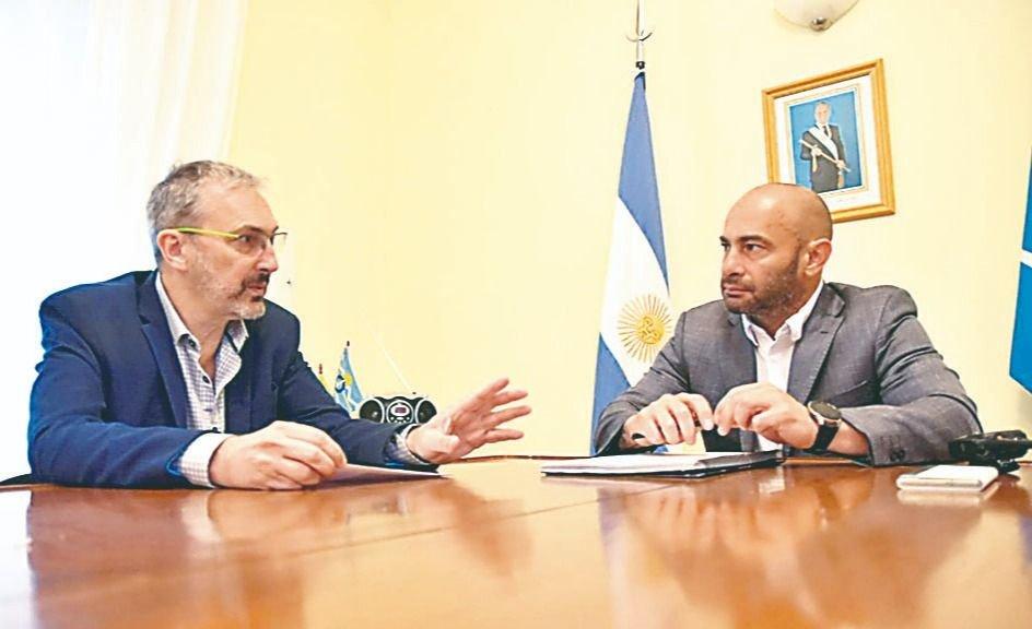 """Massoni: """"A mí los únicos que me suben o me bajan son los ciudadanos de Chubut, no los que digitan desde Buenos Aires la política"""""""