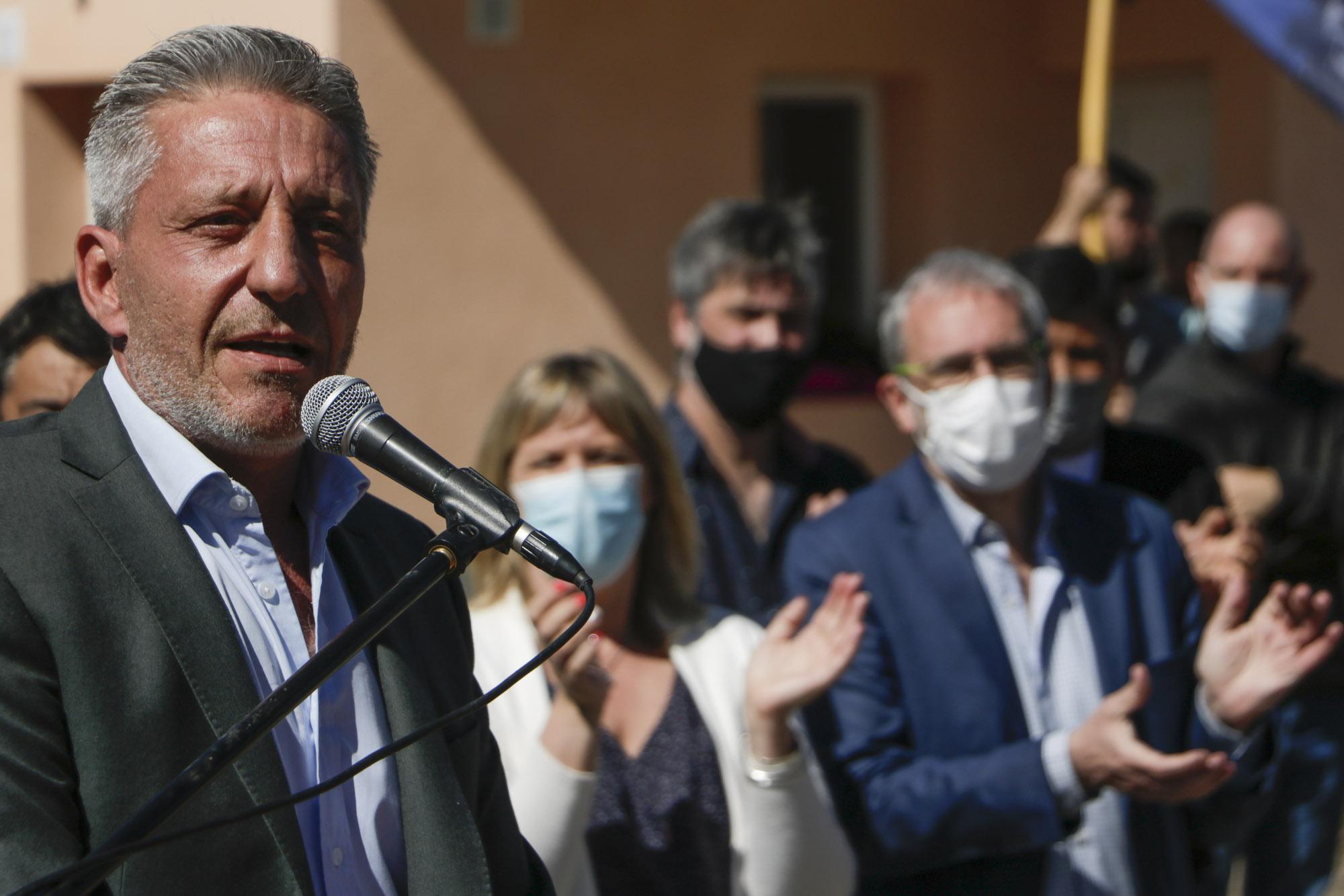 """Arcioni: """"Estamos ejecutando más de 1.000 viviendas en diferentes puntos de la provincia"""""""
