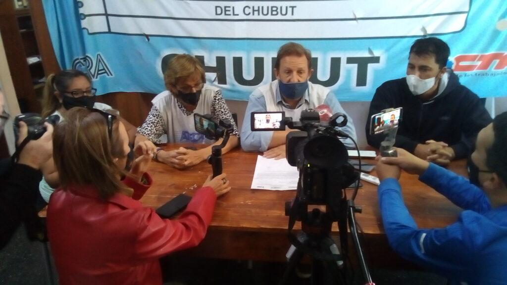 Capón presentó las propuestas para conducir la Atech: Nueva sede, programa de Salud Laboral, consultorios fijos y subsidios para docentes en estado de urgencia