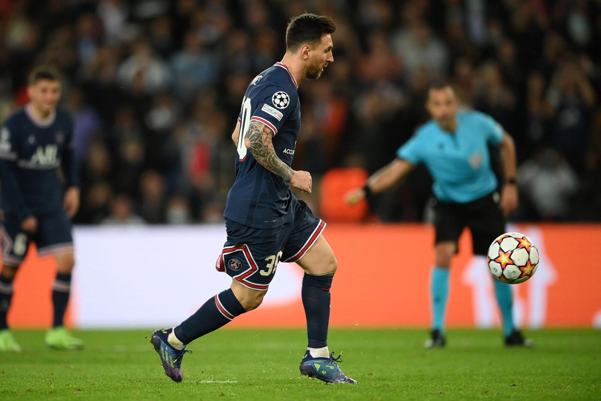 Con un doblete de Messi, PSG se quedó con una victoria clave ante el Leipzig