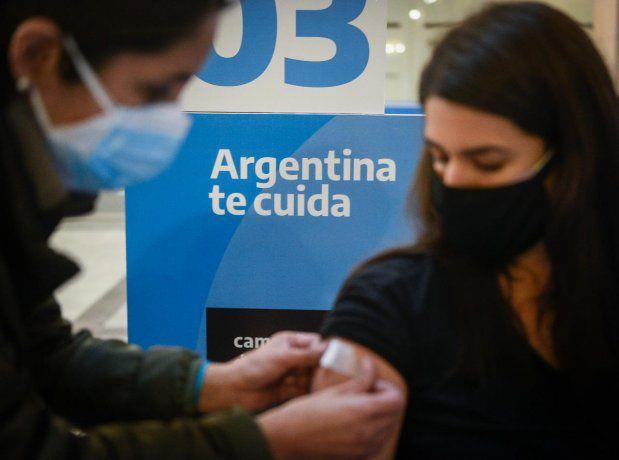 Argentina y Portugal son los países con más semanas de caída de casos de Covid-19
